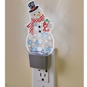 NWT! Festive Snowman Special Effect Nightlight